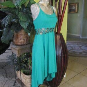 BUNDLE 3 DRESSES 35$>EMERALD GREEN HIGH LOW DRESS